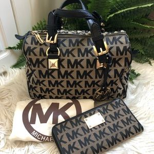 Michael Kors - Grayson Handbag + Wallet